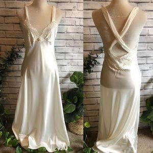 Christian Dior • Vintage White Bridal Slip 484